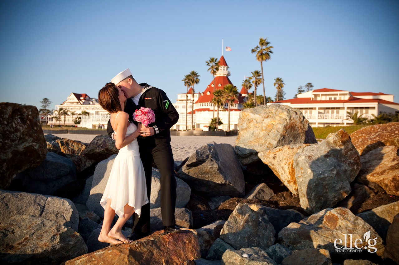 Elope definition what is for Elope meaning